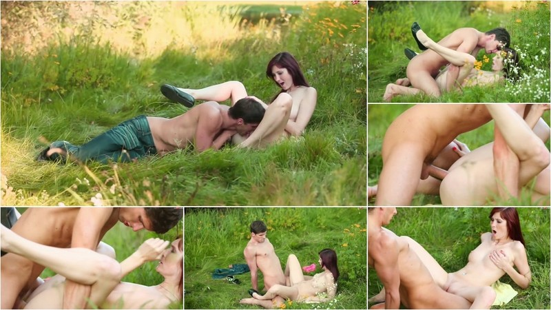 PiaRed - Naturpur - Outdoor-Wiesenfick 2017 - Watch XXX Online [FullHD 1080P]