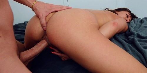 Giving Ana What She Needs [FullHD]