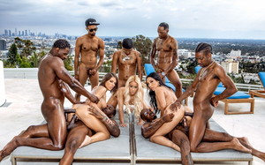 descargar (Blacked) - BadBitches (Malas Zorras) - Teanna Trump, Vicki Chase, Adriana Chechik [25-11-2019] gratis