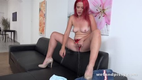 Teens Pissing, Pee, Urina Video 3672