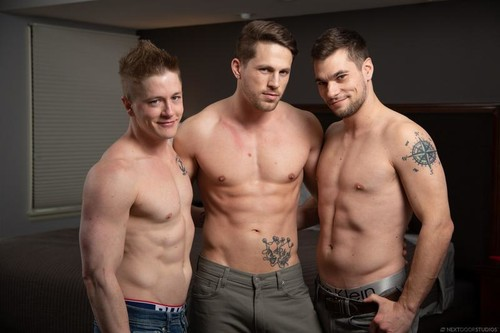 Don't Just Look: Roman Todd, Chris Blades, Princeton Price (Bareback)