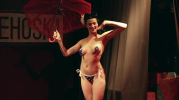 Celebrity Content - Naked On Stage - Page 23 Vr3tkw34hwjr