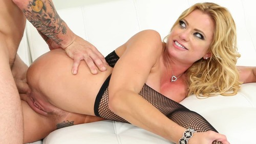 Squirting Milf Sex Featuring Briana Banks [SD]