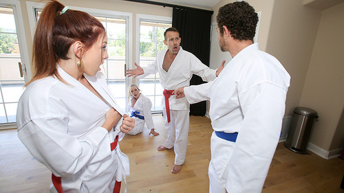 Swapping Martial Arts Muff [HD]