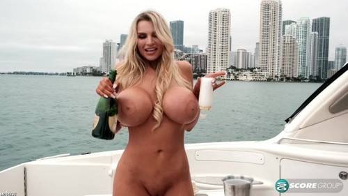 Katy Ann - Rocks The Boat In A Nude Year Party (HD)