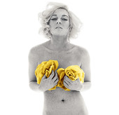 Lindsay Lohan Goes Totally Nude in New York Magazine! Marilyn Monroe Style!