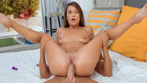 Alyssa Reece - While Hes Away (2020/FullHD)