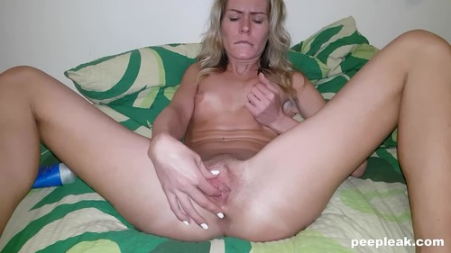Rubbing Until - Shes Cumming