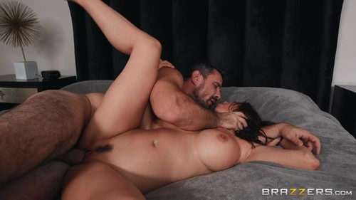Alexis Fawx - Boss Me Around