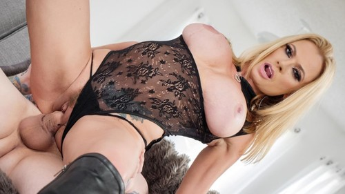 Ultimate Milf Briana Banks Is Full Of Sex [SD]