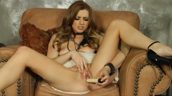 Lexi Belle not only has the looks and body that we all adore and worship, HD
