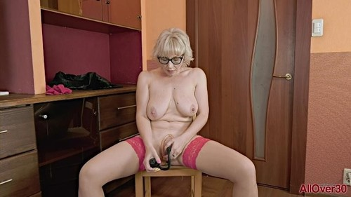 Ladies With Toys [FullHD]