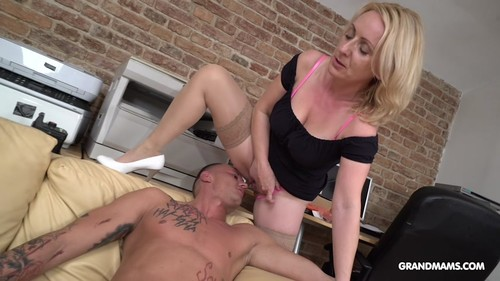 GrandMams.com - Horny linda getting fucked by a homeless punk 540p