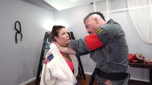 Amateurs - Alexis Fawx Learns Some New Martial Arts Tricks While Sucking Dick [HD/720p]