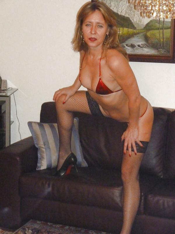 german-blonde-milf-candy-k714sf23gk.jpg