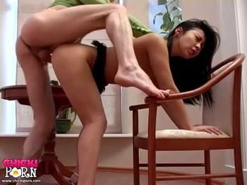 Hon (Courtney) - Asian sexdoll seduces her boyfriend, 480p