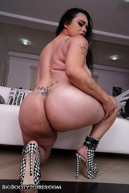 Banging Bianca Soares's Big Booty (20 March 2020)