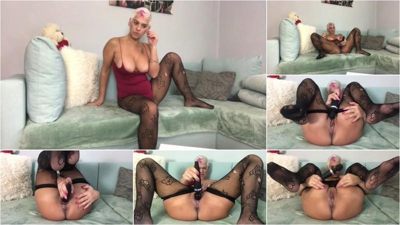 DianaMelano - Multiple Orgasmen mit Domi nach den Sport (1080P/mp4/122 MB/FullHD)