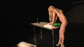 Naked  Performance Art - Full Original Collections - Page 7 Yixr3osy35vm