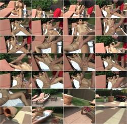 ManyVids - Adreena Winters - Naked public massage (FullHD/1080p/158 MB)