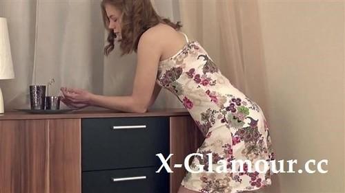 Amateurs - Floral Dress Hairy Hottie (HD)