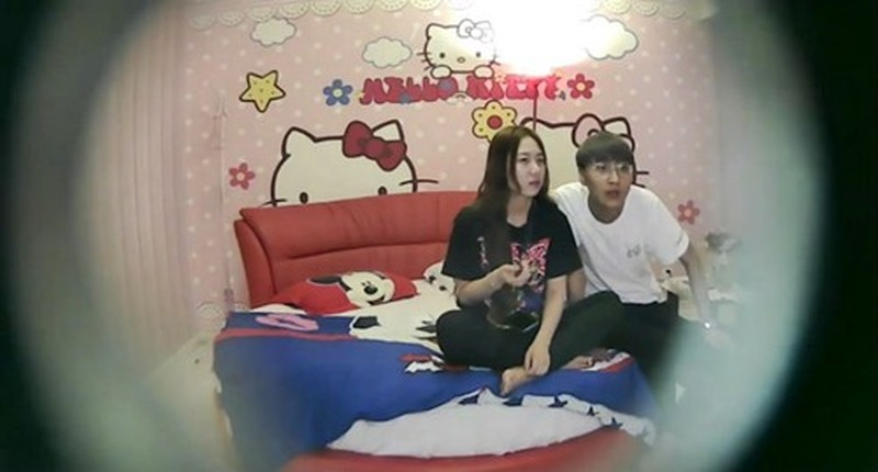 X10主題酒店+佳宇2015.01.16(D)+外賣哥+美少女?光衣服自慰+9舞蹈系校花