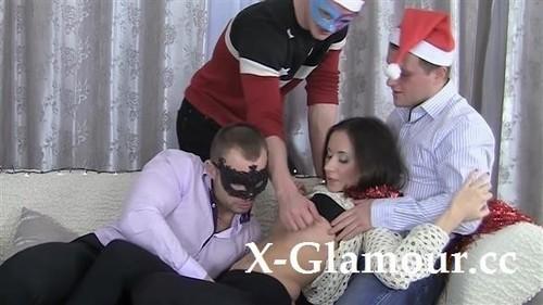 Christmas-Themed Rough Gang-Bang [FullHD]