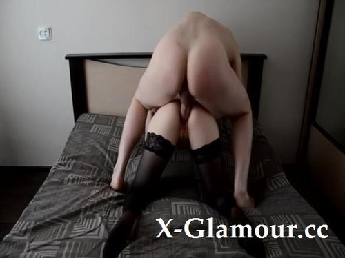 Amateurs - She Likes To Get Her Tight Pussy Fucked Really Hard [SD/480p]