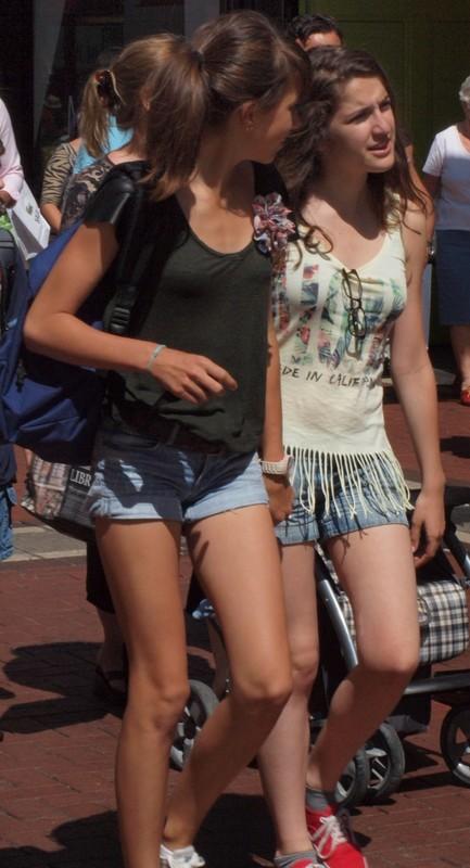 lesbian girls in denim shorts