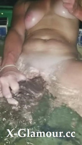 Busty Amateur Impales Herself With A Huge Dildo In A Hot Tub [SD]