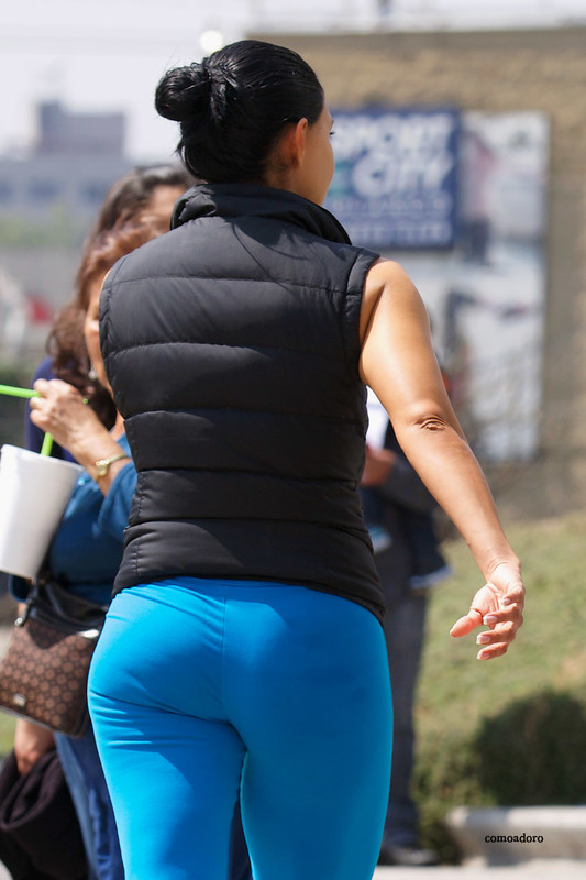 brunette milf in blue yogapants