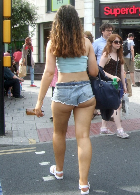 coed lady in sexy denim hotpants