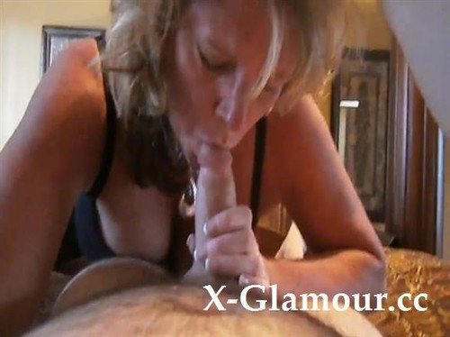 Busty Mature Lady Has Some Seriously Hot Cock Sucking Skills [SD]