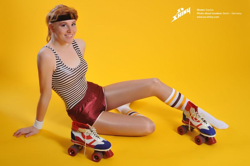 roller skate girl Sophia in sexy shorts