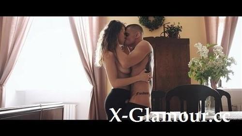Maxmilian Dior, Emylia Argan - Time Out [HD/720p]