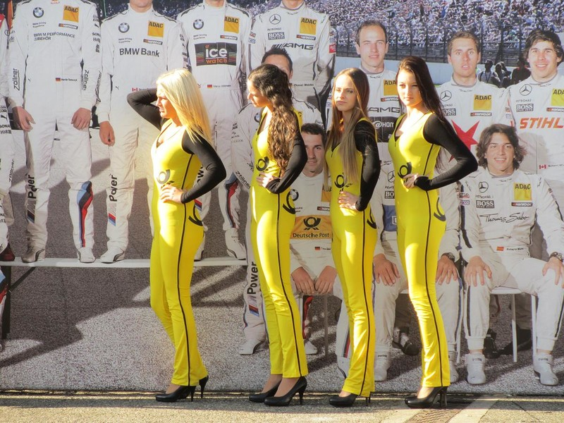 sweet grid queens in yellow spandex