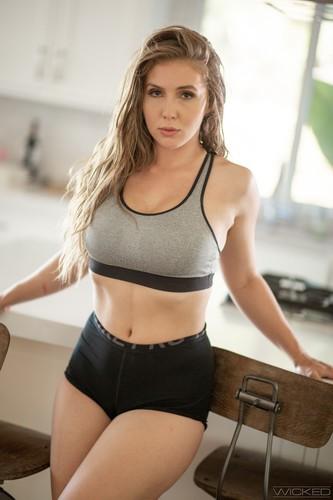 Lena Paul 3