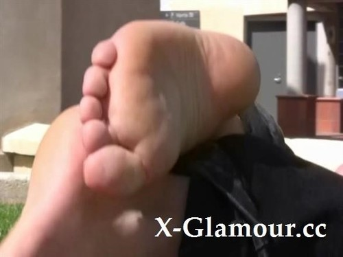 I Am In Love With This Girls Beautiful Sexy Feet [SD]