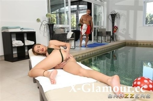 Anal At The Hotel Pool [FullHD]