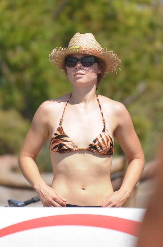 sand volleyball girls in bikinis