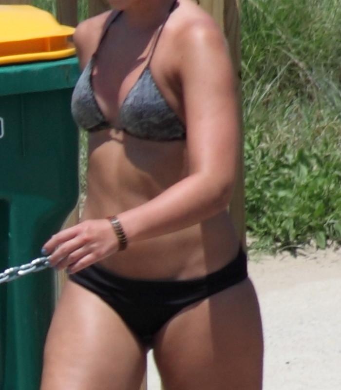 2 gorgeous beach girls kinky voyeur pics