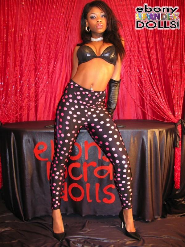 african model Peaches naughty leggings pics
