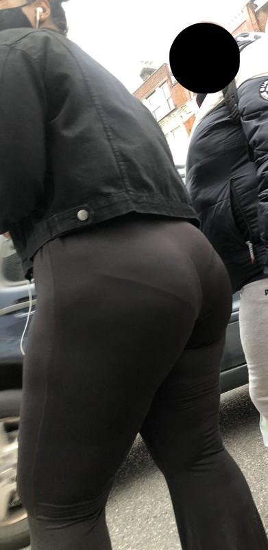 chubby ebony milf in black lycra pants