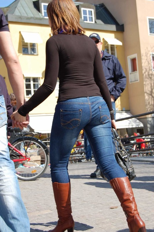 gorgeous milf in denim pants & leather boots