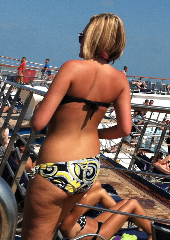cruise ship bikini creepshot fotos