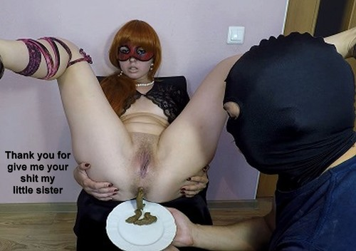 Elena Toilet with slave - Scat food play photocollection