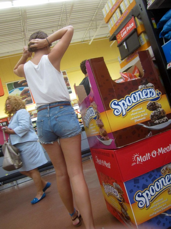 supermarket booty in denim shorts