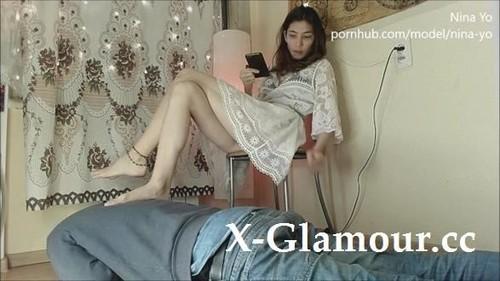 Russian Woman Foot Worship Footstool, Kissing Feet By Best Friends Boyfriend Eng Nina Yo [HD]