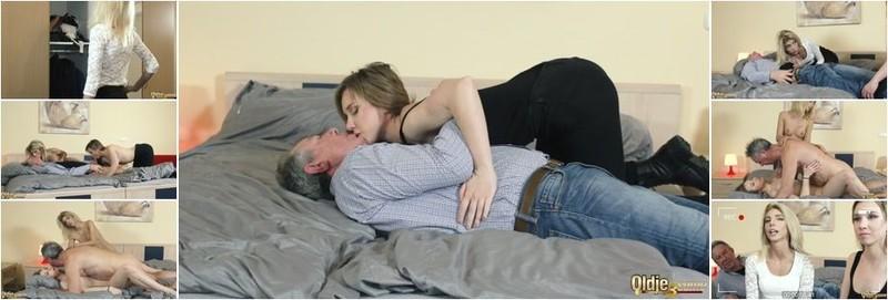Alice Klay, Missy Luv - Roommate desire (FullHD)