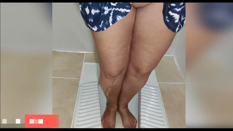 Standing Pee on My Legs in Public Toilet [HD 720P]
